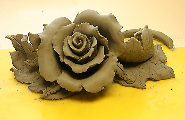 Largest clay rose of the four- 6 inches.